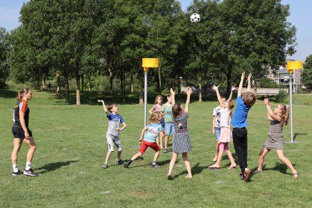 Verschillende online kennissessies korfbal op school